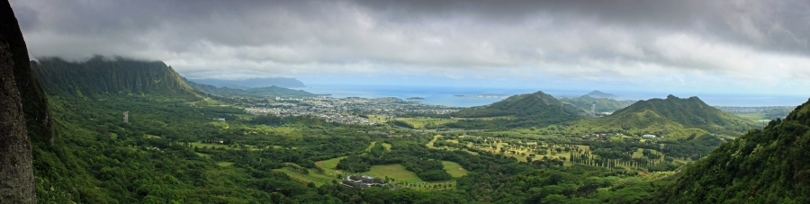 The Nu'uanu Pali lookout offers fantastic views of Kaneohe and Kailua.